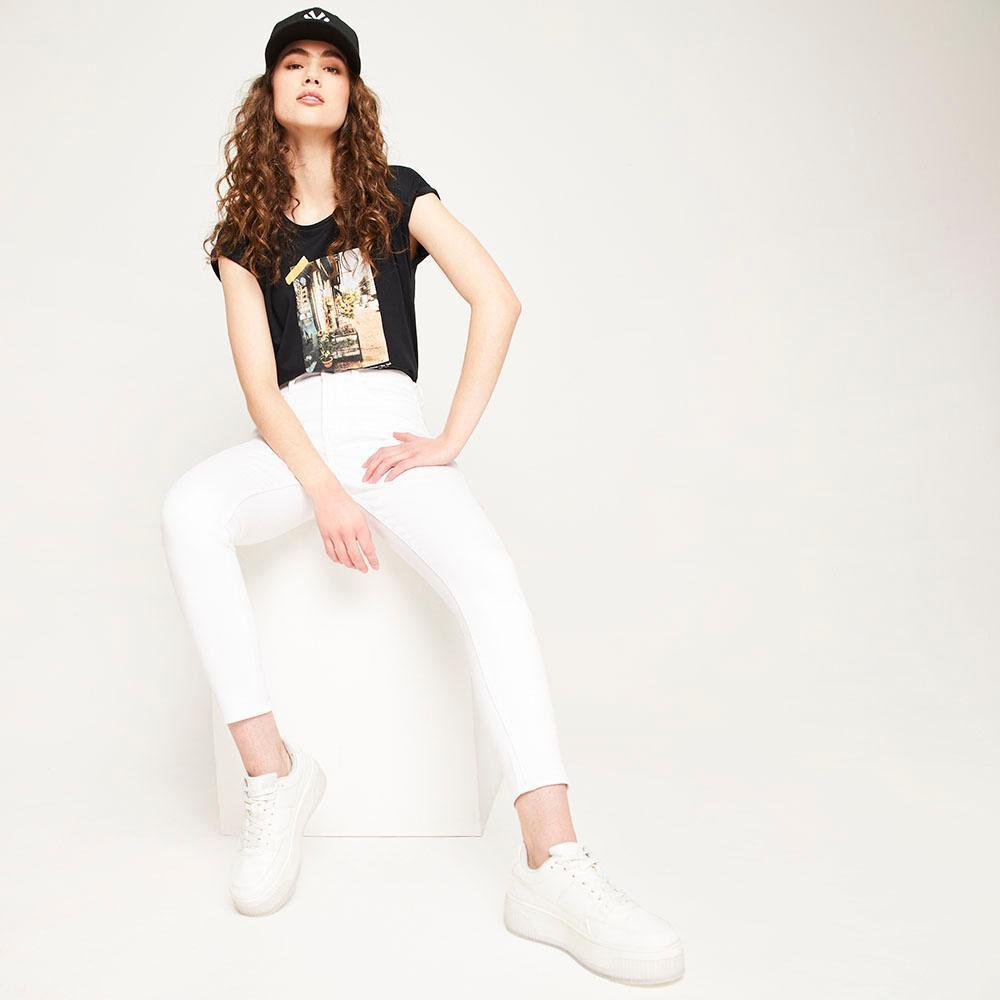Jeans Blanco Tiro Alto Push Up Mujer Freedom image number 5.0