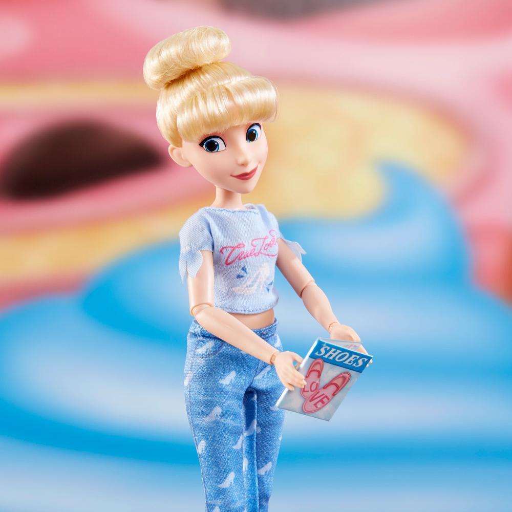 Muñeca Disney Princess Comfy Squad image number 3.0
