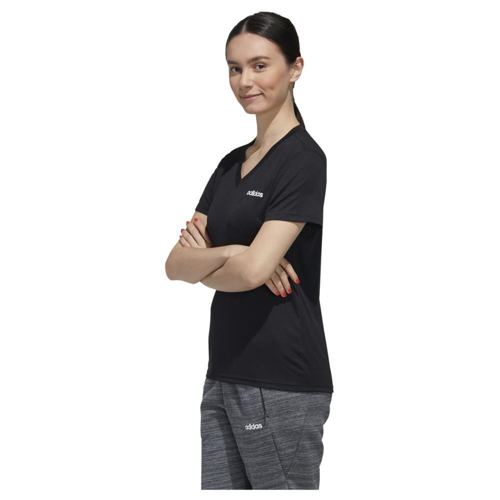 Polera Mujer Adidas Designed To Move image number 1.0