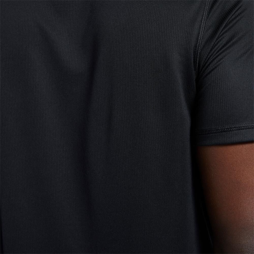 Polera Hombre Reebok Run Essentials Short Sleeve Graphic Tee image number 3.0