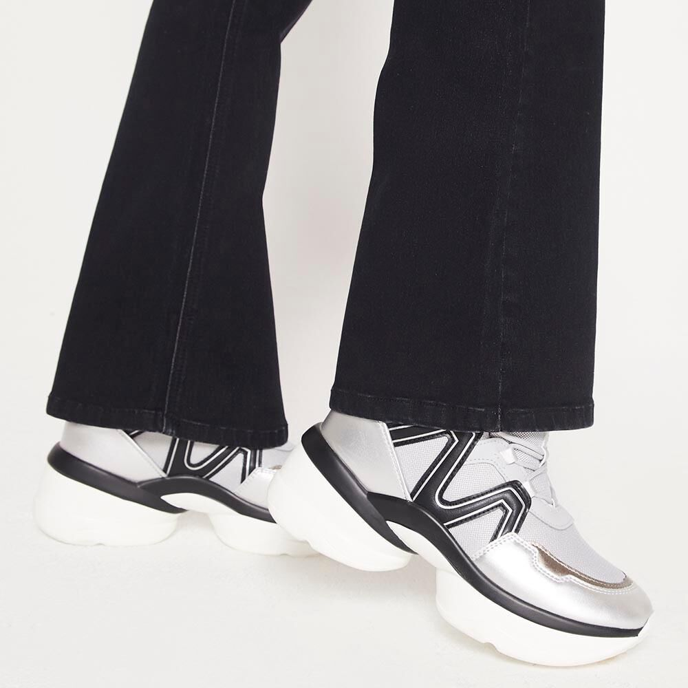 Jeans Mujer Tiro Alto Flare Rolly go image number 4.0