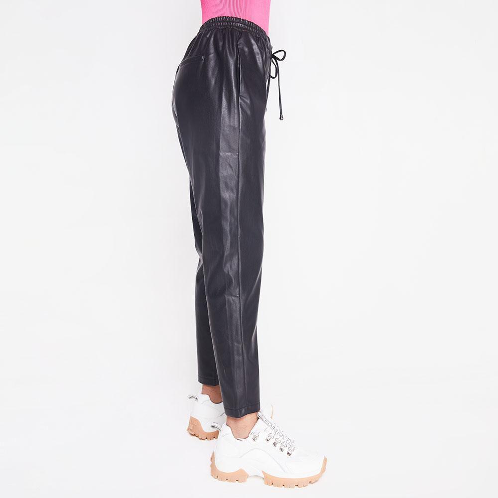 Pantalon Tiro Medio Regular Cuerina Mujer Rolly Go image number 5.0