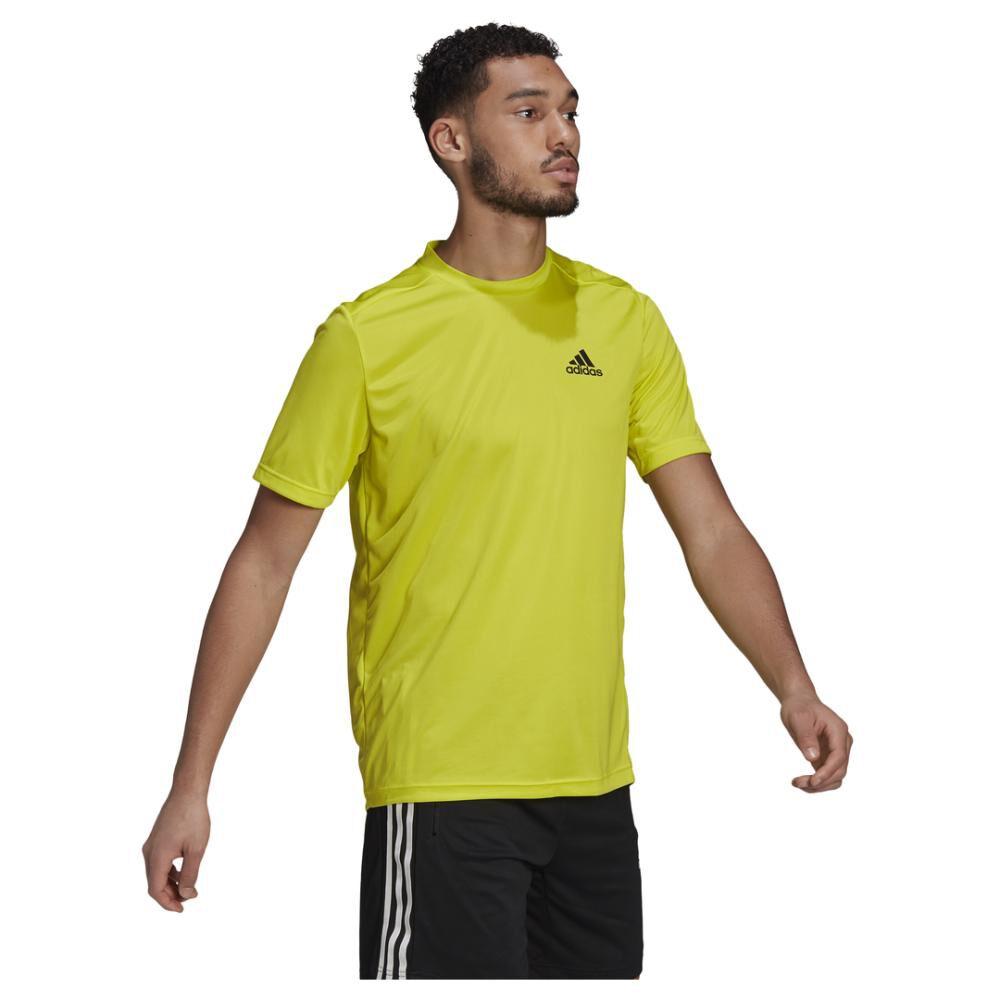 Polera Hombre Adidas Aeroready Designed To Move Sport image number 3.0