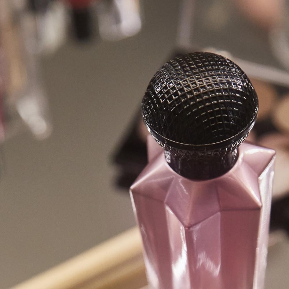 Perfume Sweet Dream Shakira /  / Edt image number 6.0