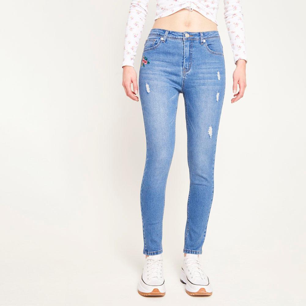 Jeans Bordado Tiro Alto Super Skinny Con Roturas Mujer Freedom image number 0.0