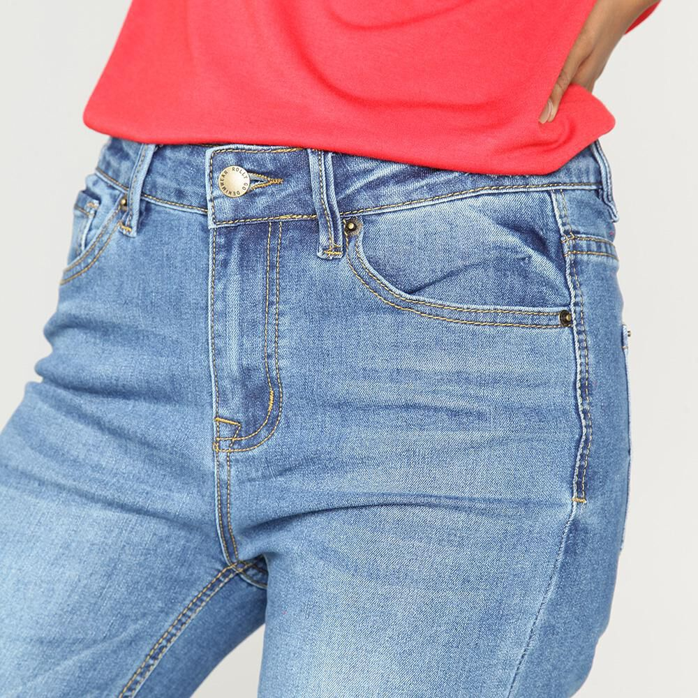 Jeans Mujer Tiro Medio Flare Crop Rolly go image number 3.0