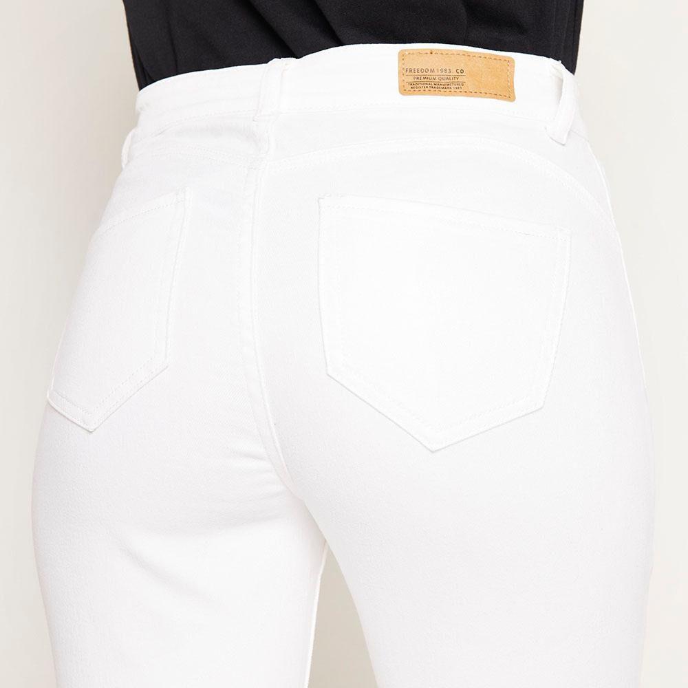 Jeans Blanco Tiro Alto Push Up Mujer Freedom image number 4.0