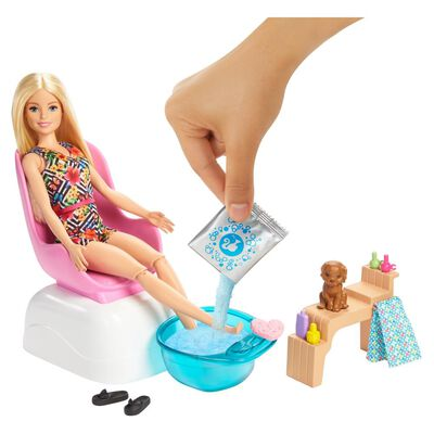 Barbie Fashionista Muñeca Mani/ Pedi Salón
