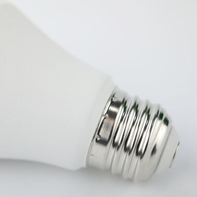 Bombilla Smart Nexxt Multicolor / 800 Lúmenes / 9W (Equivalente A 60 Watts)