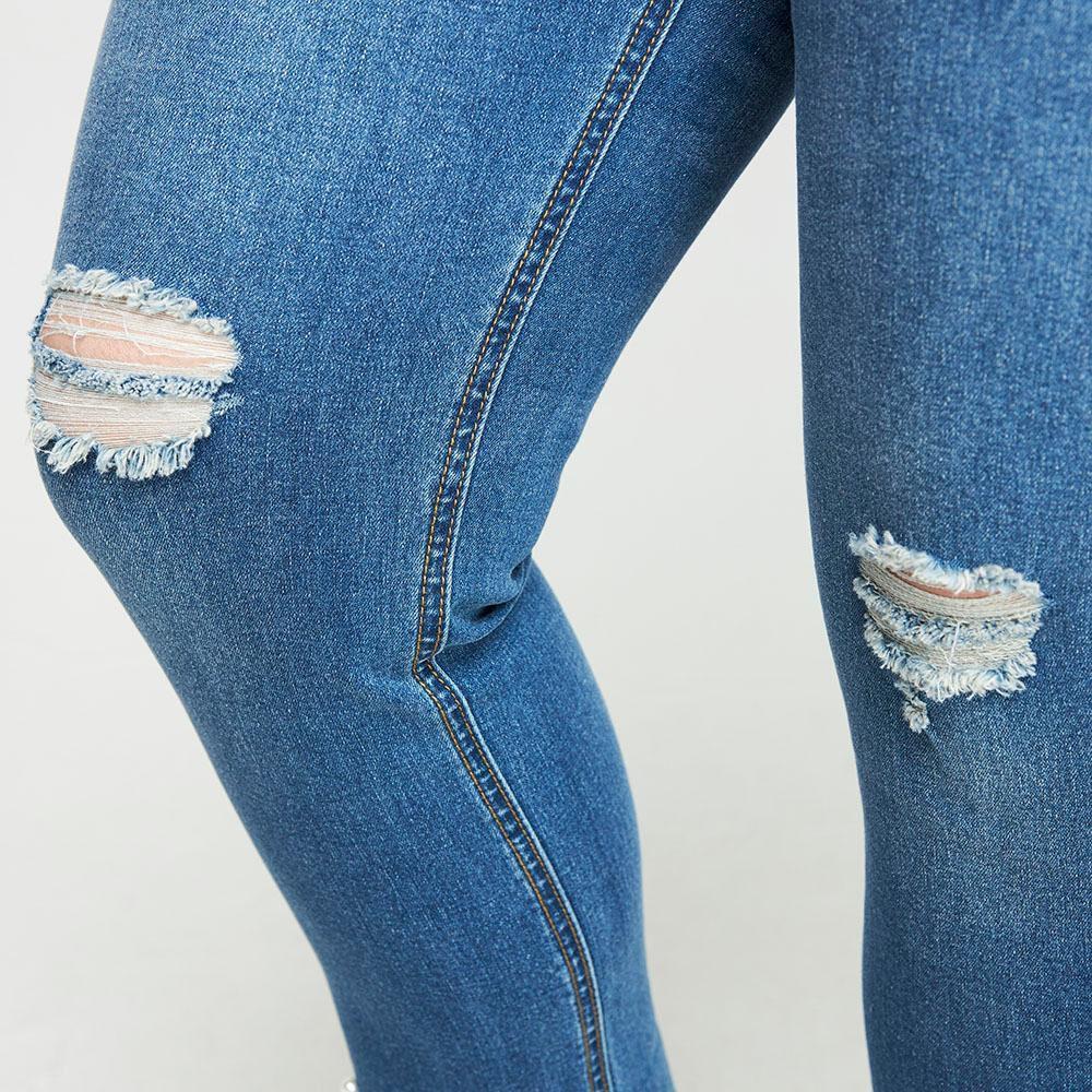 Jeans Con Aplicación Perlas Tiro Medio Regular Mujer Sexy Large image number 4.0