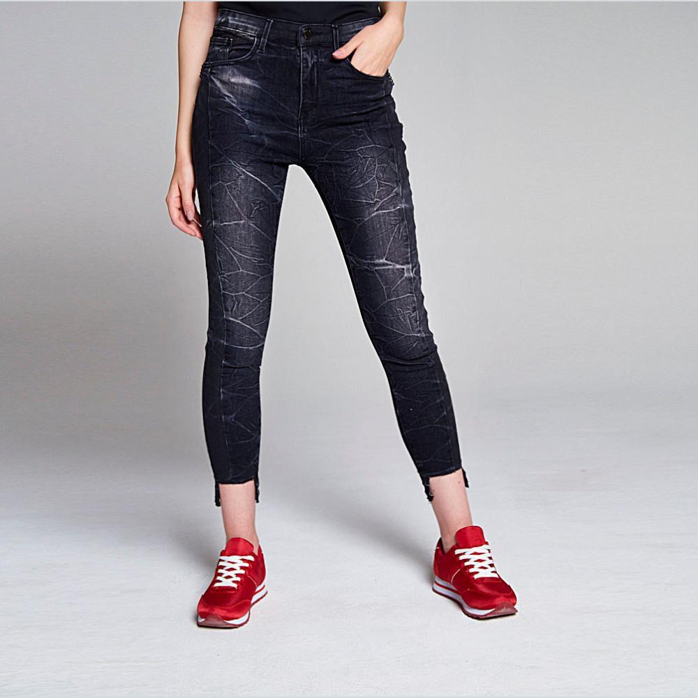 Jeans Crop Detalle En Basta Mujer Rolly Go image number 0.0